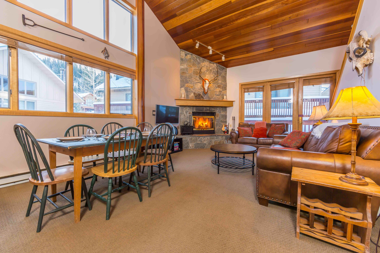 Bighorn 39- Livingroom